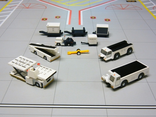 新品 ジェミニジェット 空港サポート 車両セット